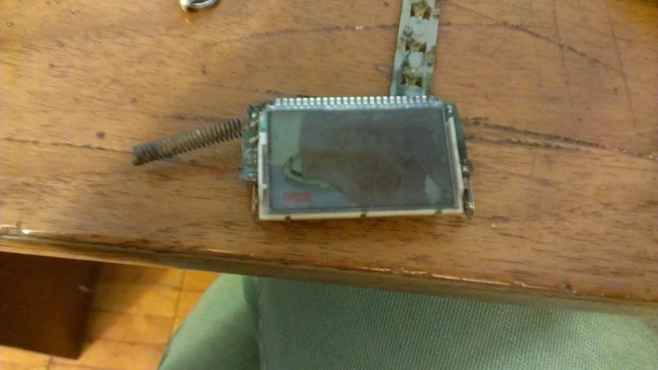 Схема и разбитый экранчик