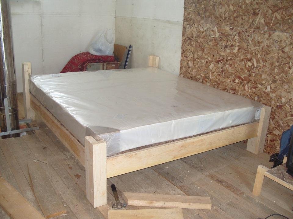 Простейшая кровать из дерева своими руками 23