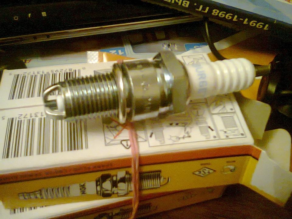 Фото № 3724 Отечественные трехэлектродные автомобильной свечи bur6et