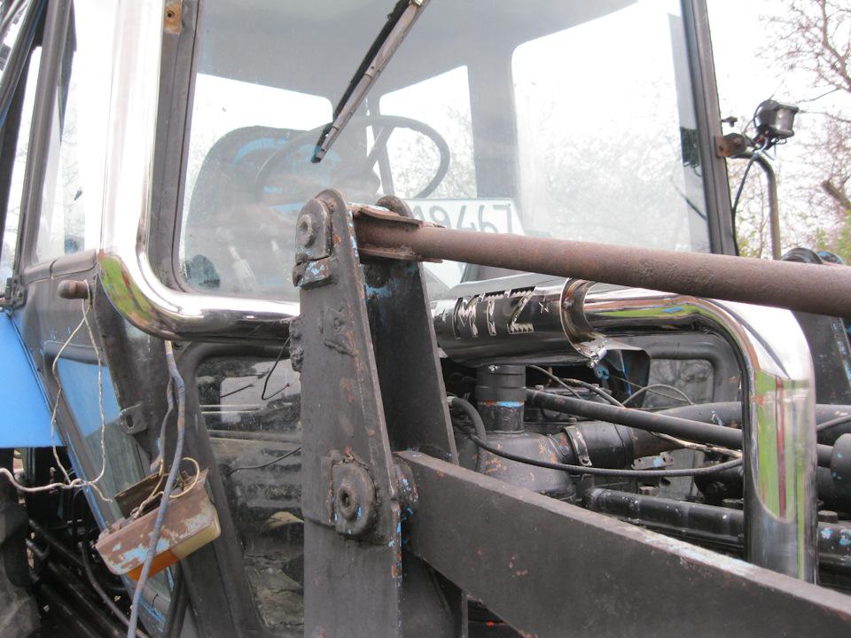 Работа траншеекопателя на тракторе МТЗ - YouTube