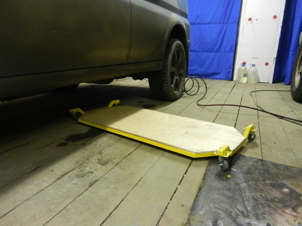Тележка для ремонта автомобиля лёжа своими руками 100