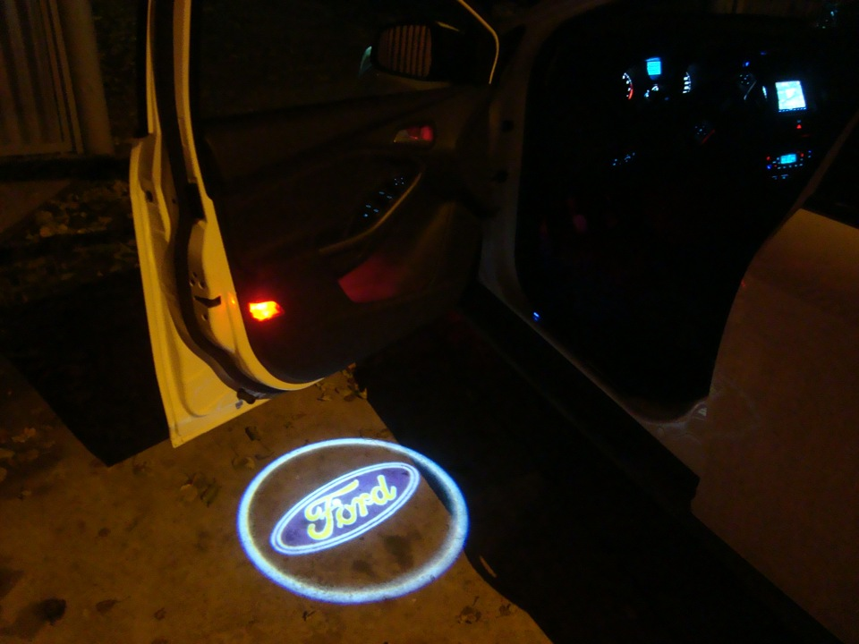 подсветка дверей FORD - бортжурнал Ford Focus Hatchback 125л.с. titanium 2011 года на DRIVE2