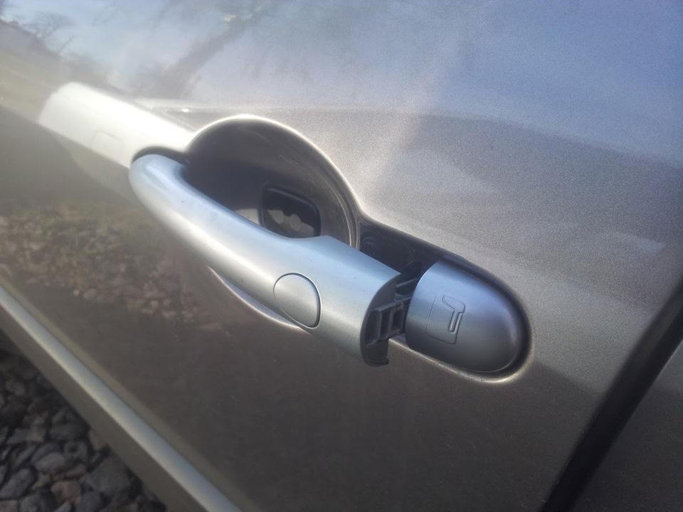 снятие ручки двери renault clio 3