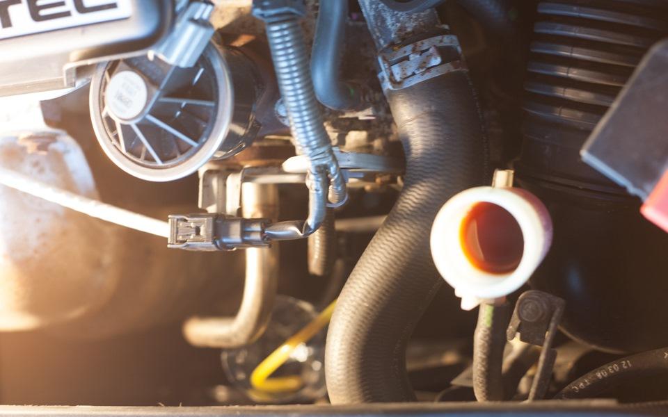 Замена жидкости в гидроприводе сцепления Civic VIII 5D
