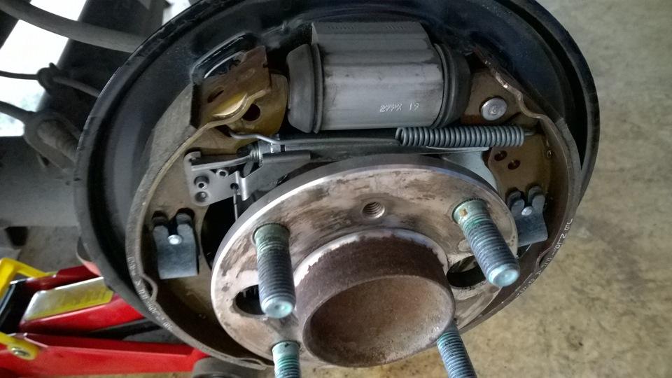 Форд фокус 2 замена задних тормозных колодок  146