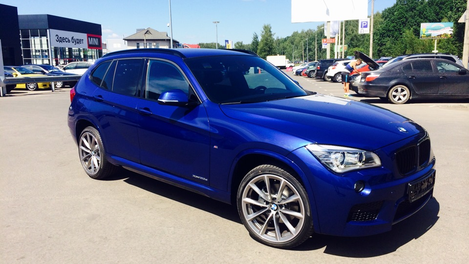 bmw x1 m performance drive2. Black Bedroom Furniture Sets. Home Design Ideas