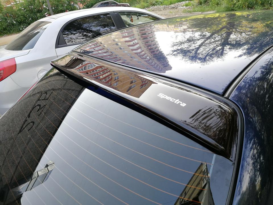 Спойлер на окна машины