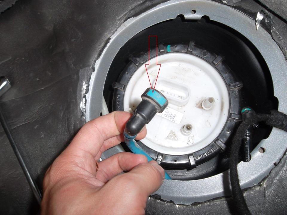 установка топлевного насоса на фольксваген поло