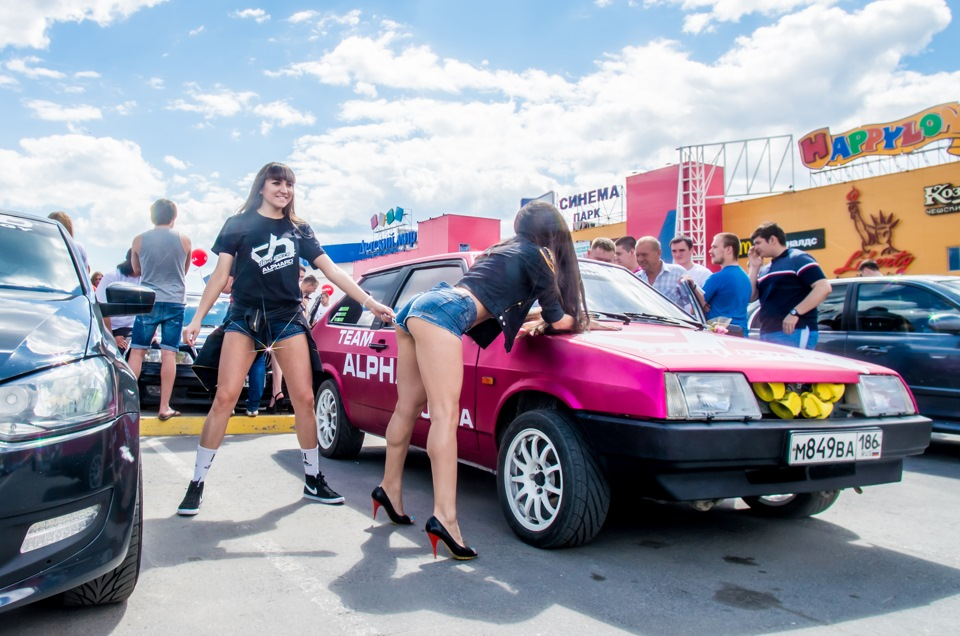 an analysis of decibel drag racing 1 2018 ford mustang gt destroys hellcat in a drag race, causes a stir 2 stock dodge demon does 983s 1/4-mile pass, starts a riot 3 twin-turbo 2018 ford mustang gt drops amazing 86s quarter.