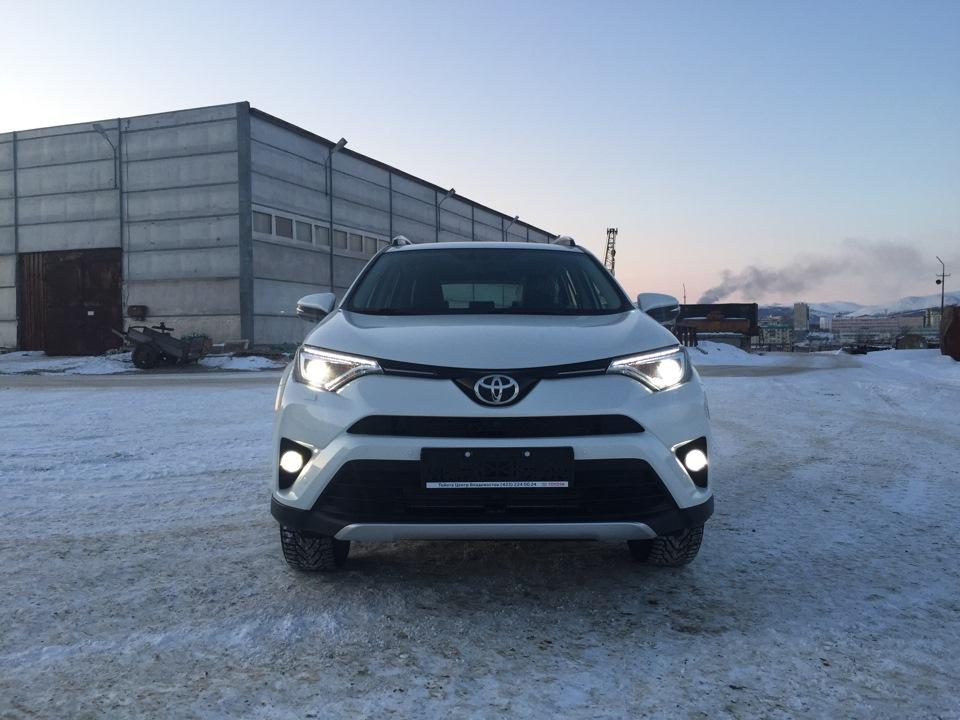 ближний свет Toyota Рав 4
