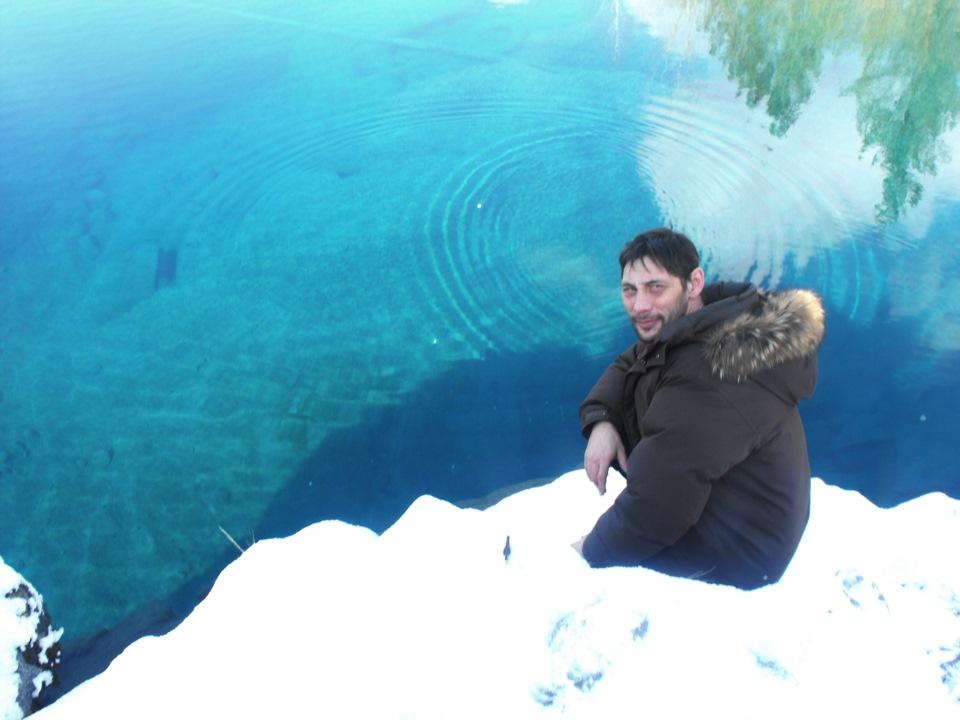 Голубые озера зимой картинки