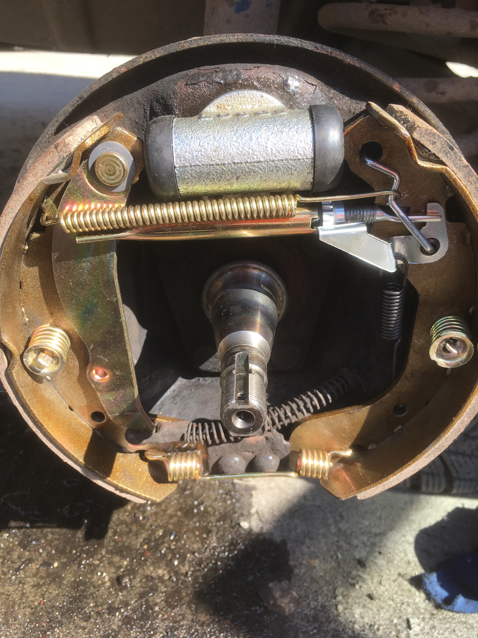 Схема ручного тормоза у фото на