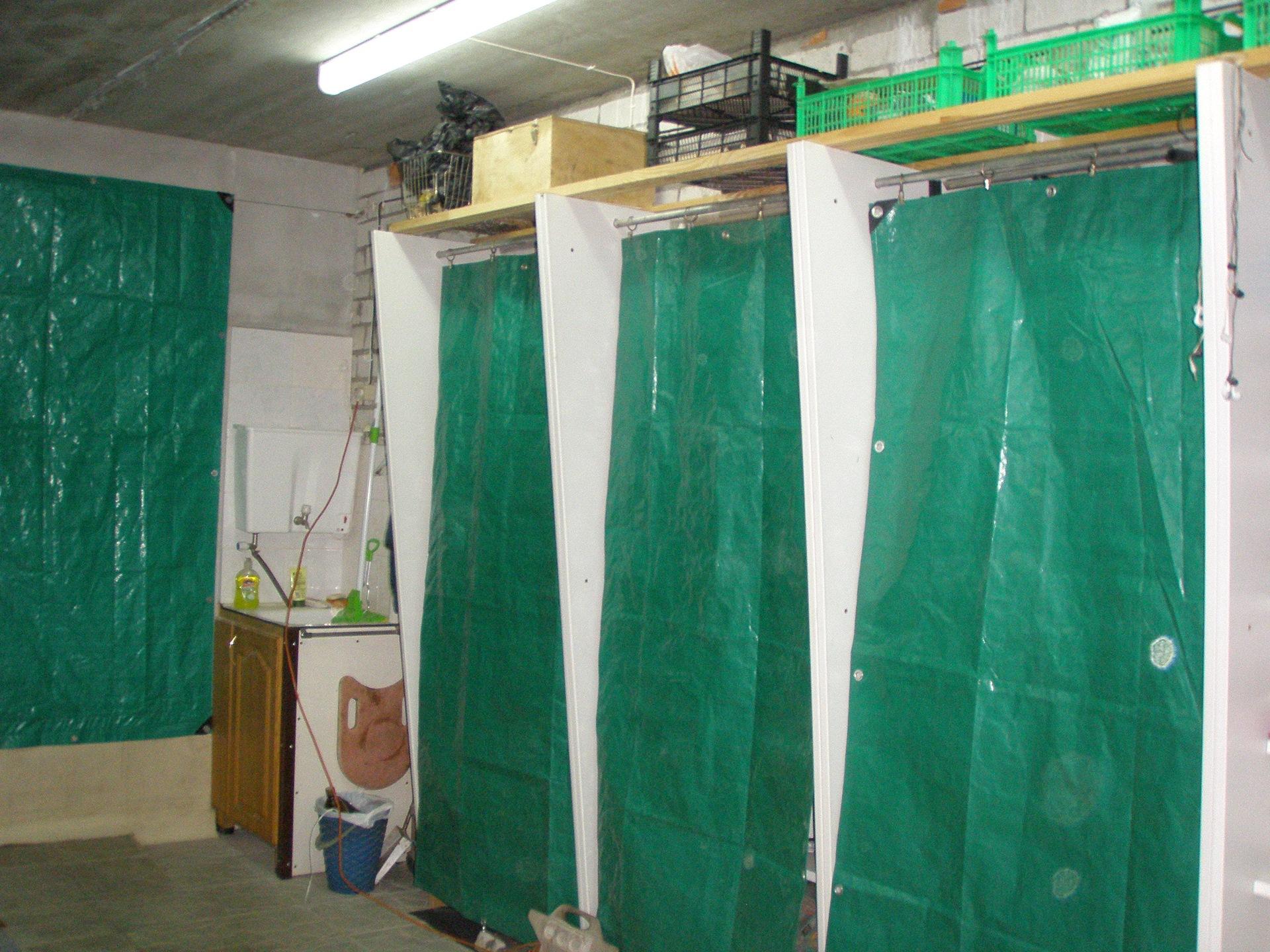 Шторка в гараж где купить металлический гараж муром