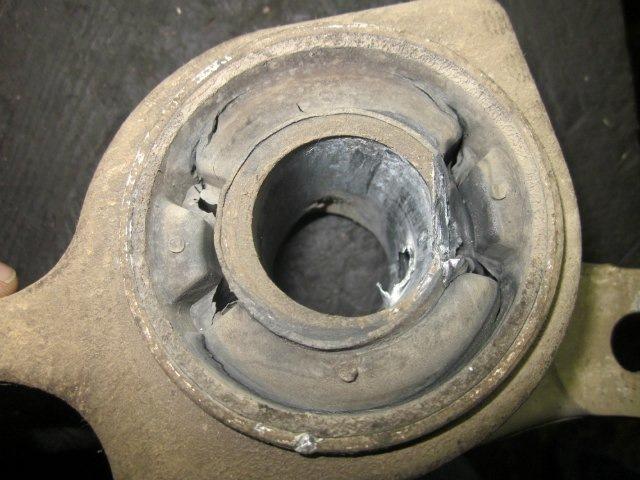 замена нижнего переднего рычага на мерседесе gl 320