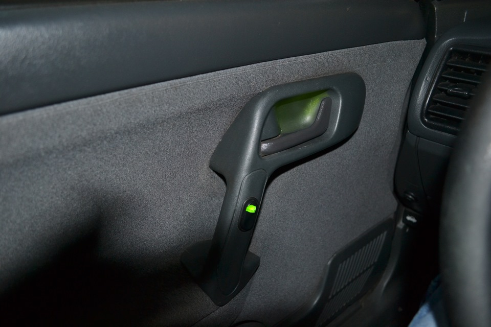 Фото №14 - кнопка стеклоподъемника ВАЗ 2110