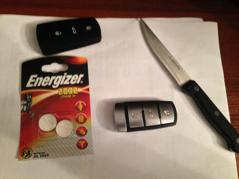 поменять батарею брелок фольксваген пассат сс