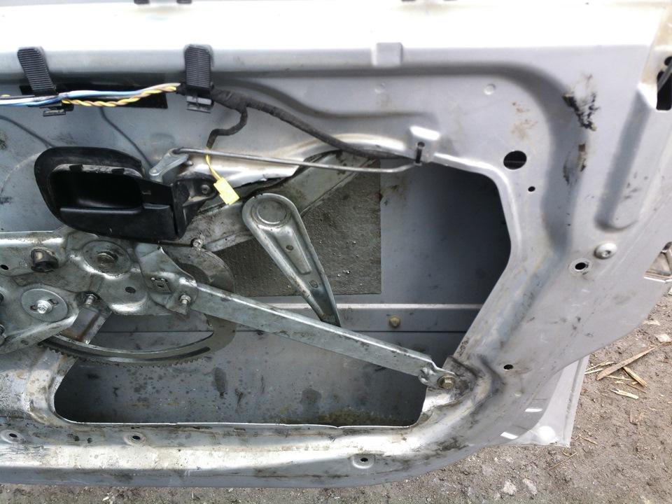 как снять обшивку двери в BMW e36