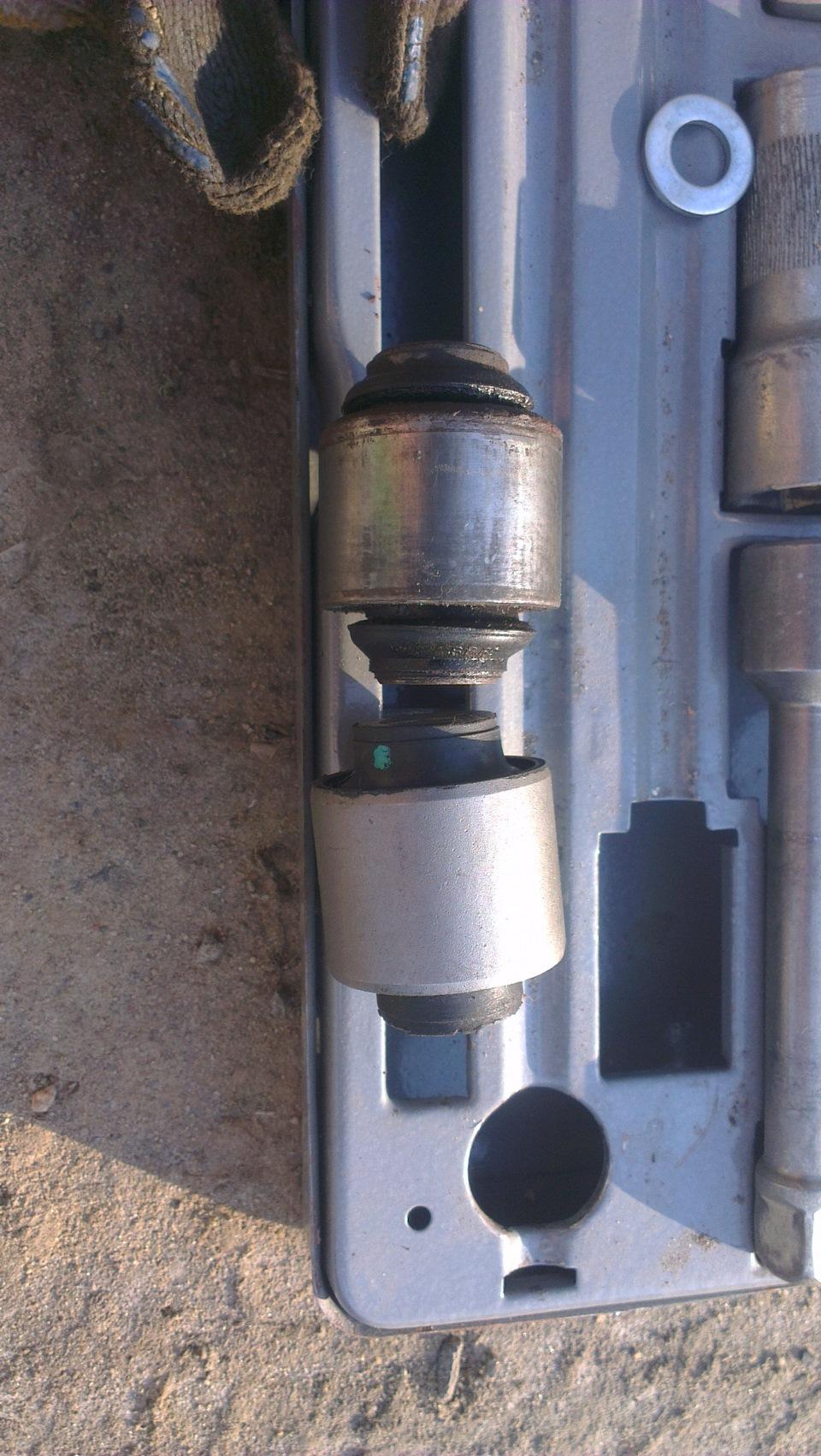 Замена сайлентблока нижнего рычага шевроле Замена передней пружины форд эскейп