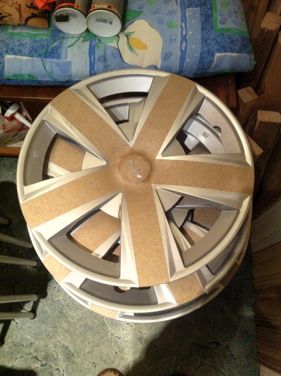 Как покрасить колесные колпаки своими руками 30