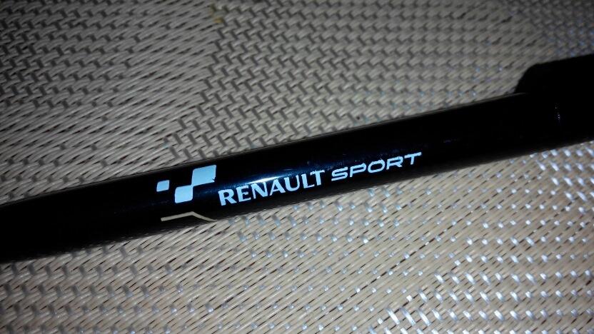 линия renault sport сувениры