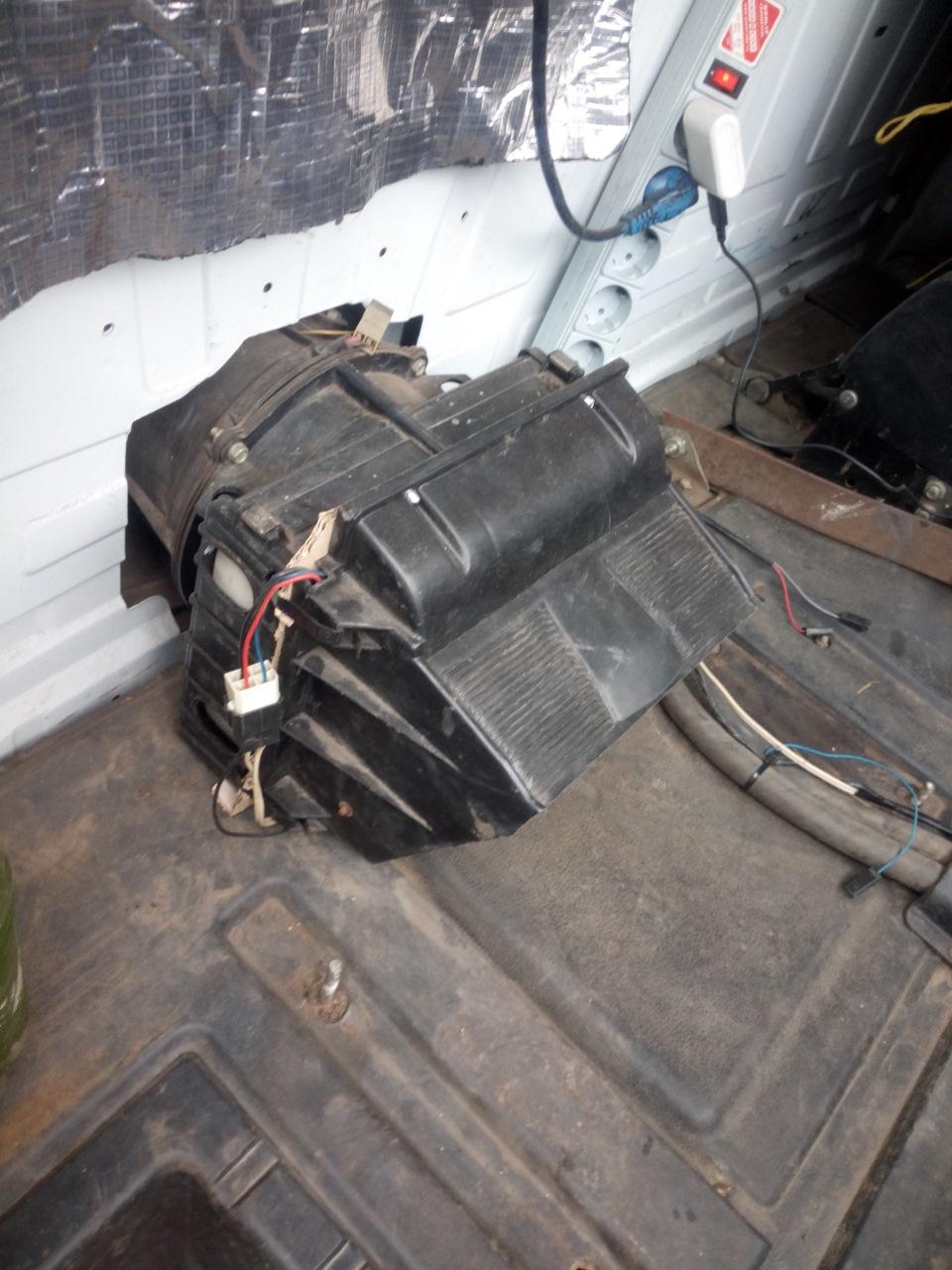 Замена радиатора печки на волге без снятия панели, торпеды (супер быстрый метод) как очень быстро поменять радиатор печки не снимая панель,торпеду на волге газ печка газель.