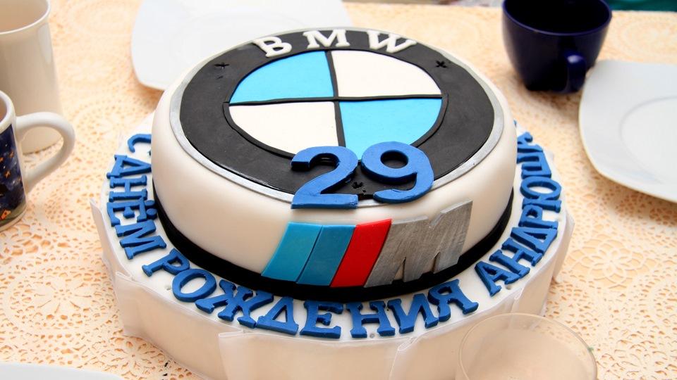 Фото торт bmw