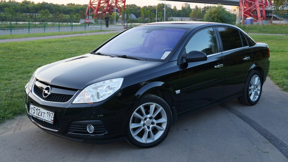 Opel vectra 2 2 direct cosmo drive2 for Opel vectra c salonas