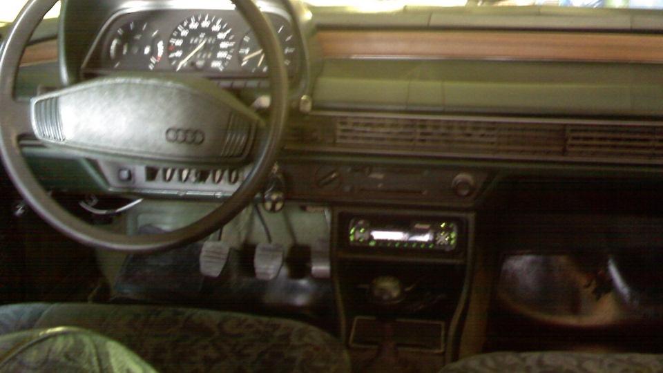 Audi 100 C2 Salon