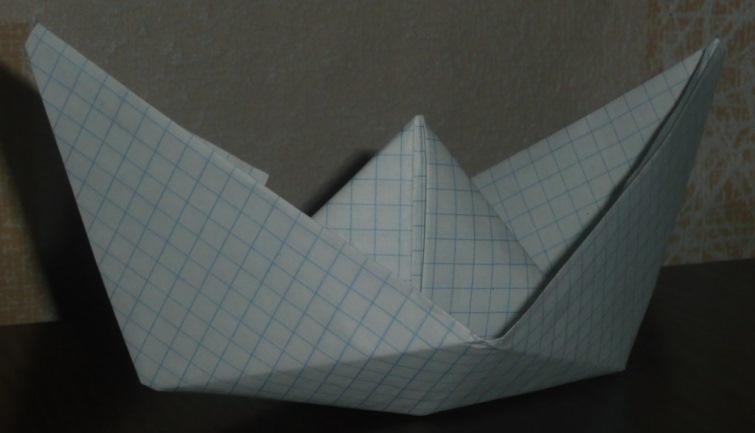 Как сделать поделку из тетрадного листа