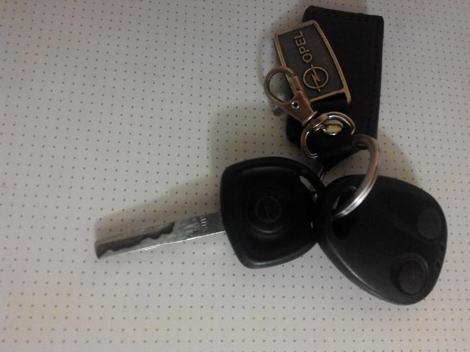 как привязать ключ на опель омега