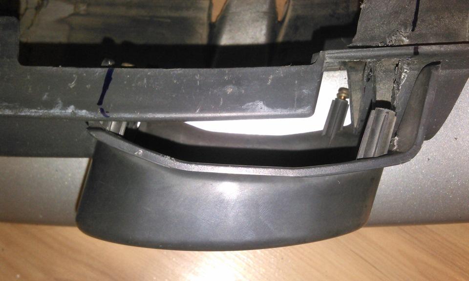 нижней части переднего бампера toyota platz