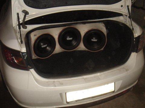 """Проект Mazda 6 седан, в новом кузове.  Задача: 1. Получить  """"правильный """" суб бас, для этого было выбрано оформление..."""