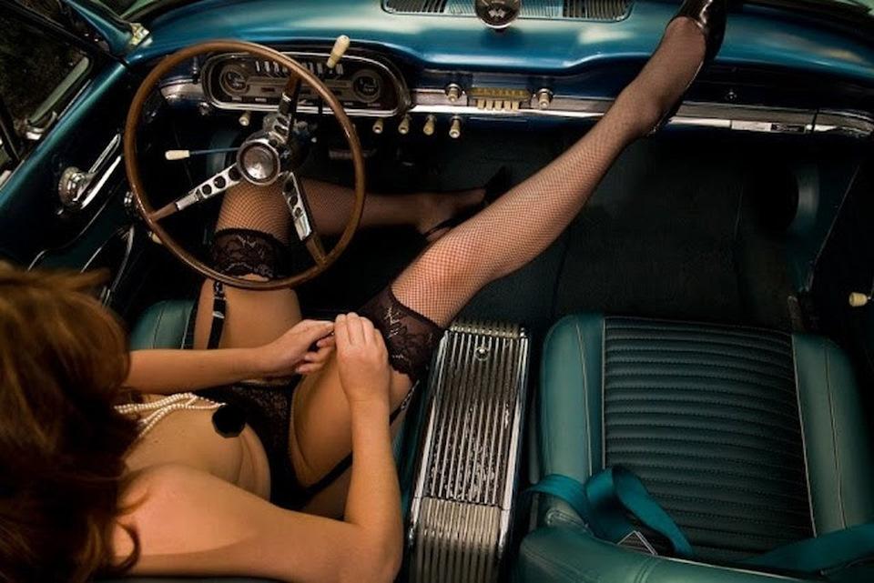 beautiful-girl-sex-in-car