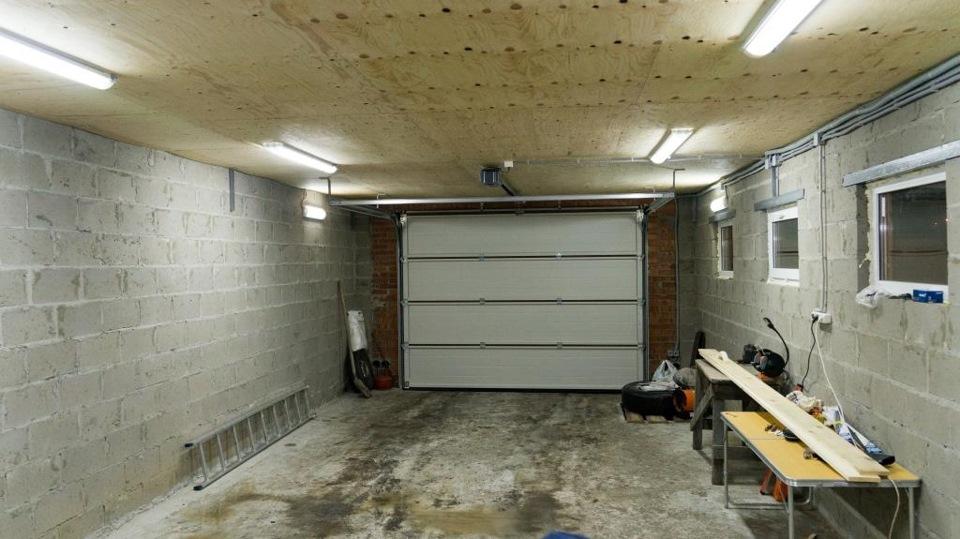 Свет в гараж своими руками 92