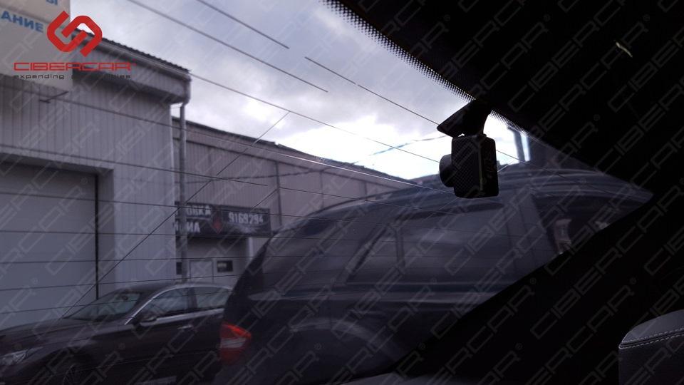 Задняя камера видеорегистратора. Фото 2.