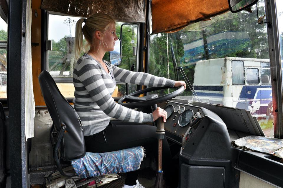 с дамой в автобусе - 9