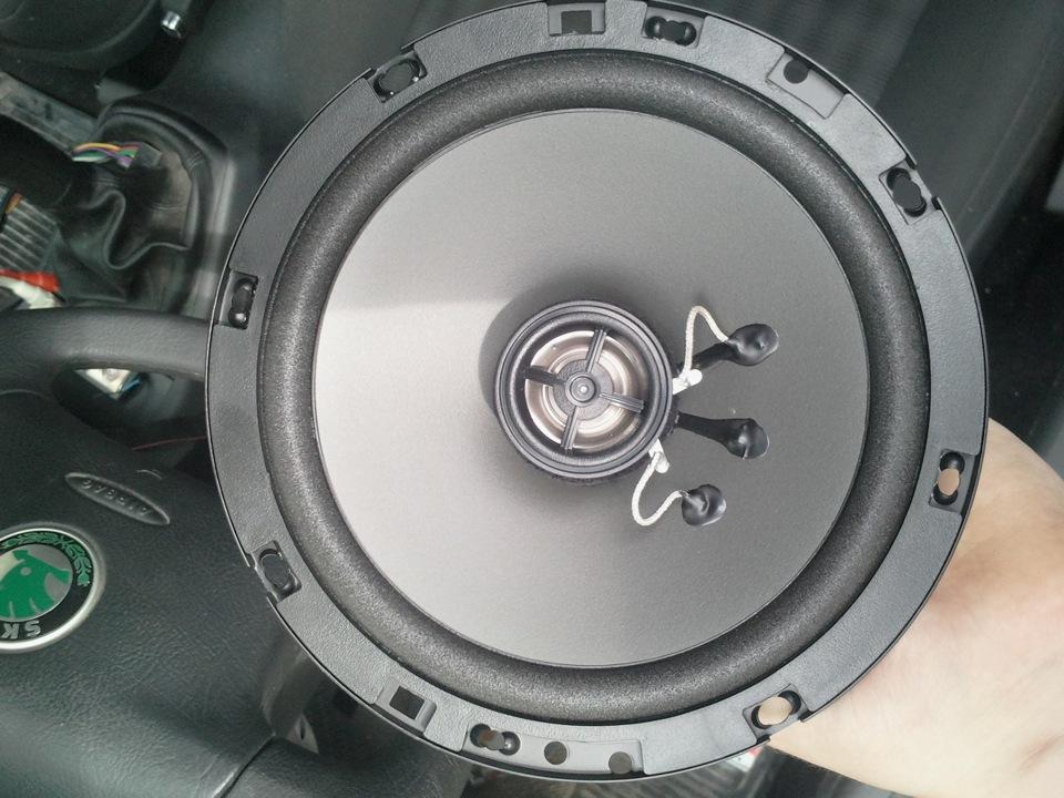 Шкода октавия а7 актив установка задних динамиков в двери