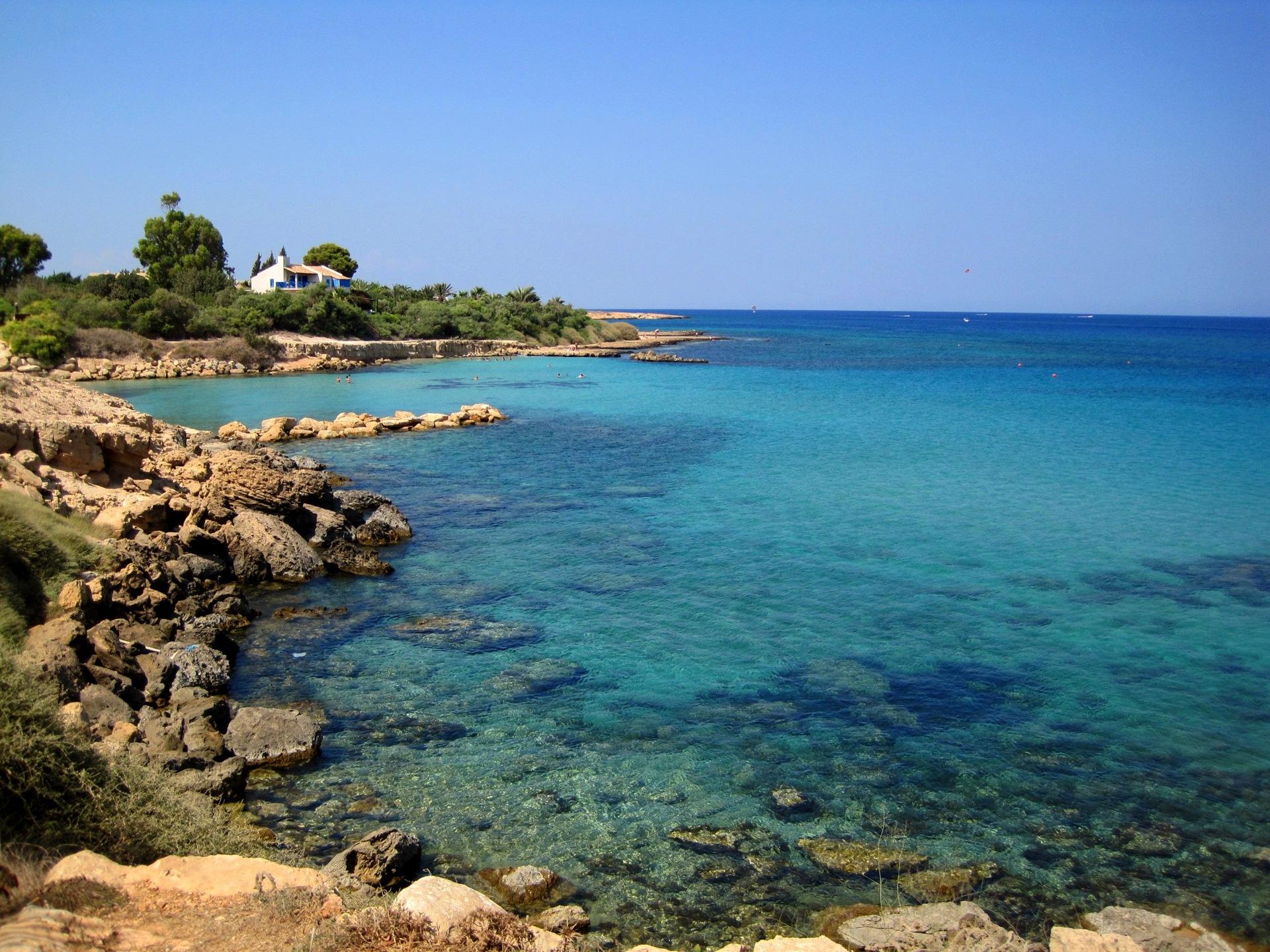то, северный кипр фото туристов расписанный камень