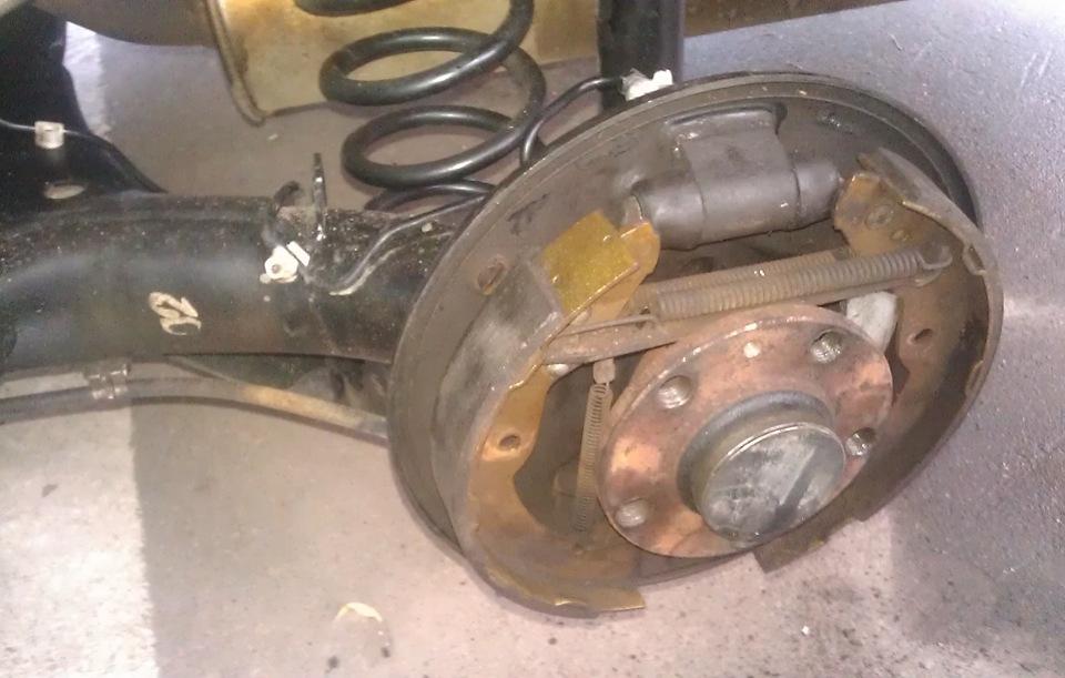 устройство главного тормозного цилиндра skoda fabia