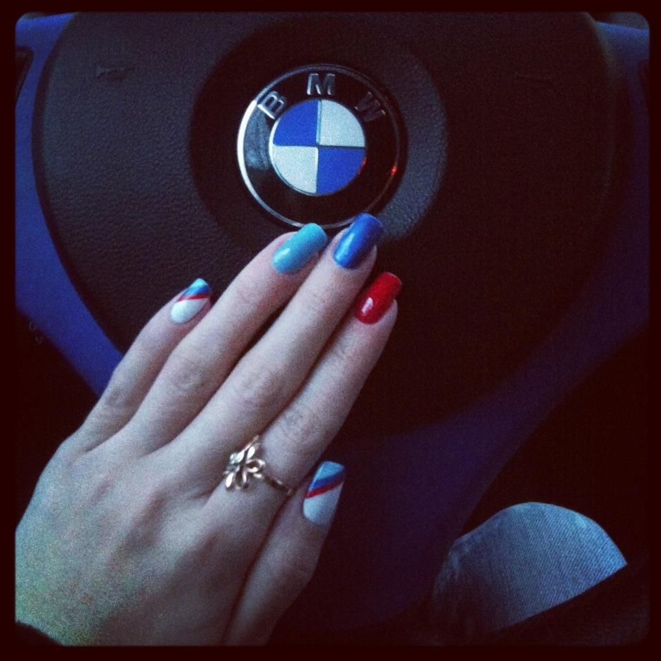 Света сандерс дизайн ногтей фото нём
