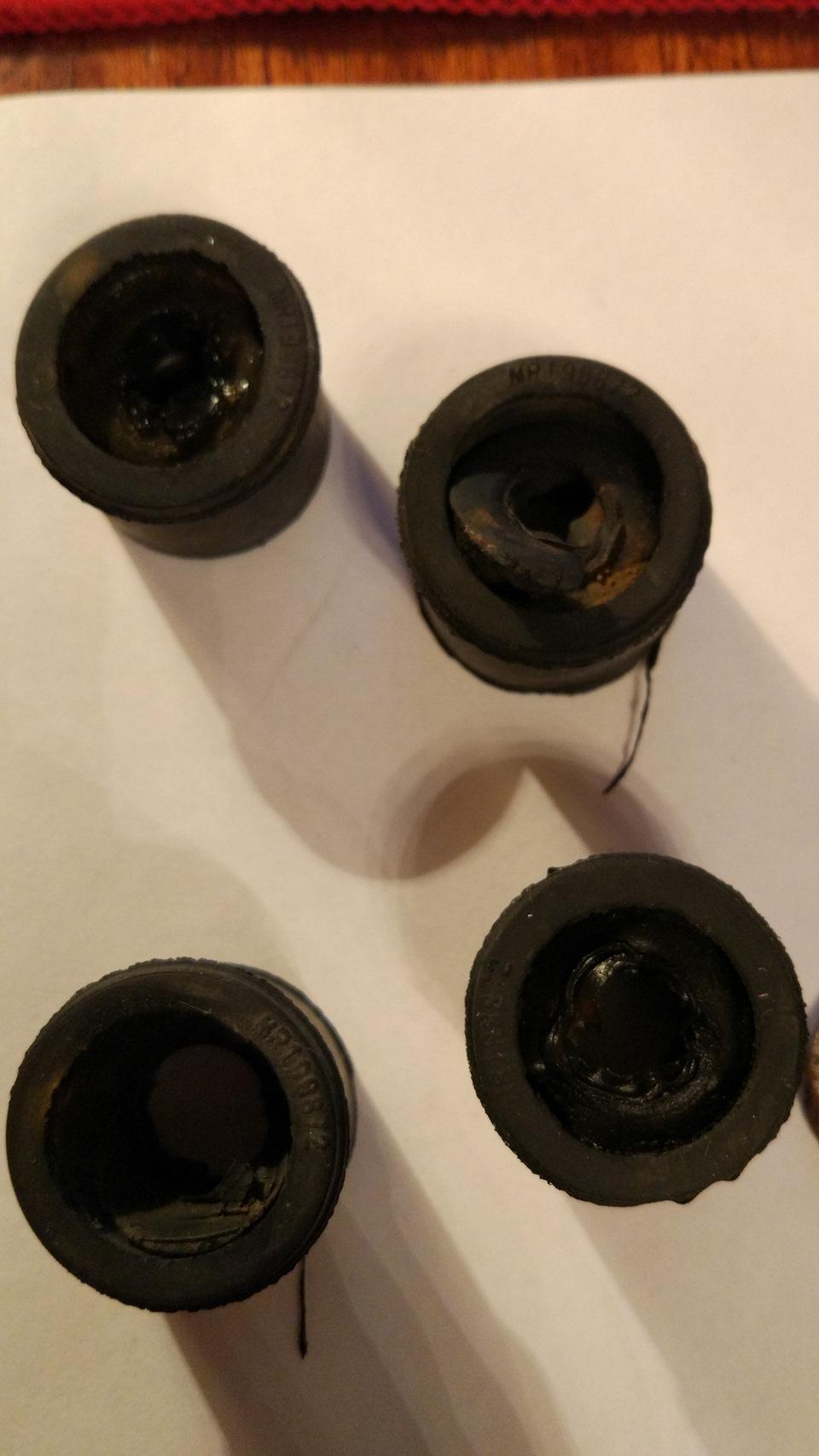 Стойки переднего стабилизатора лансер 9