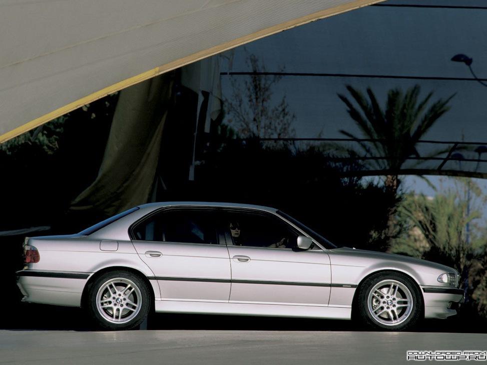 обзор на BMW 7 e38