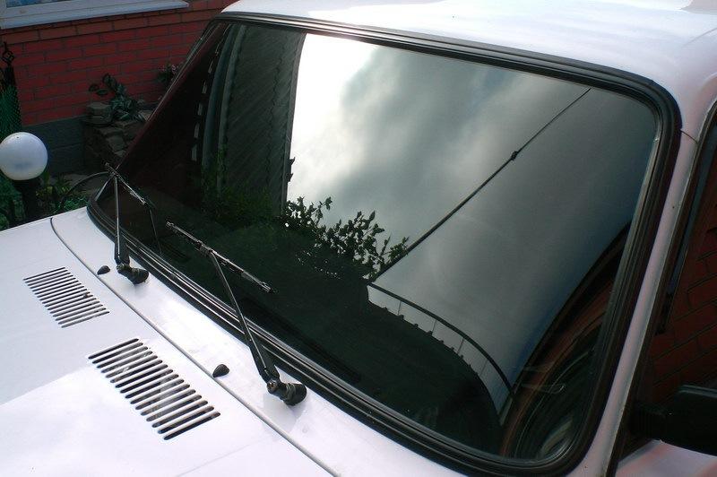 Тонировка лобового стекла фото