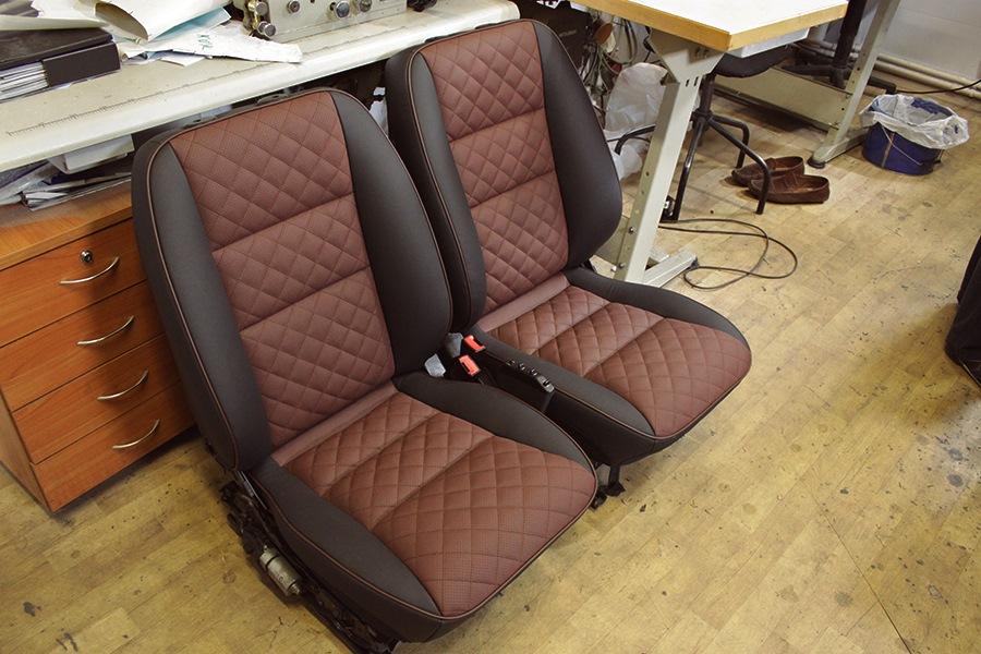Перешив кожаного кресла