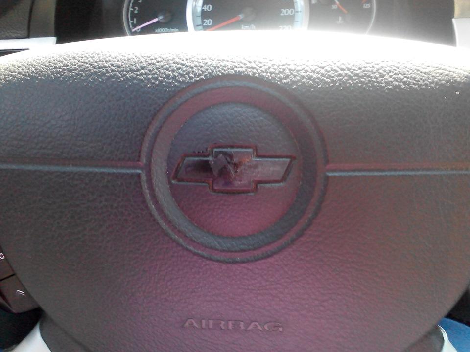 наклейка на руль шевроле (chevrolet)