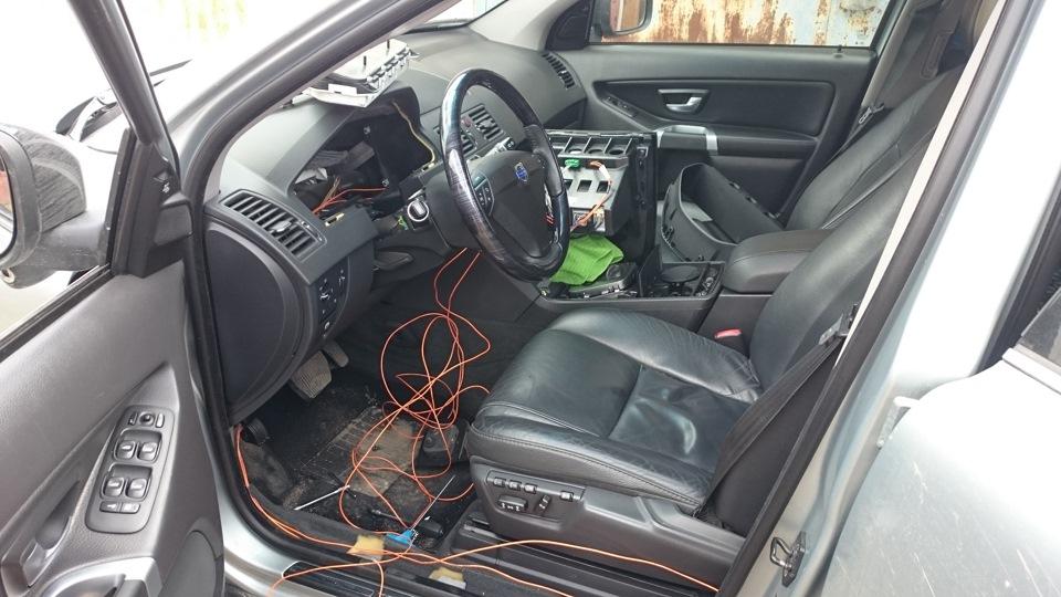 сабвуфер автомобильный в volvo xc 90