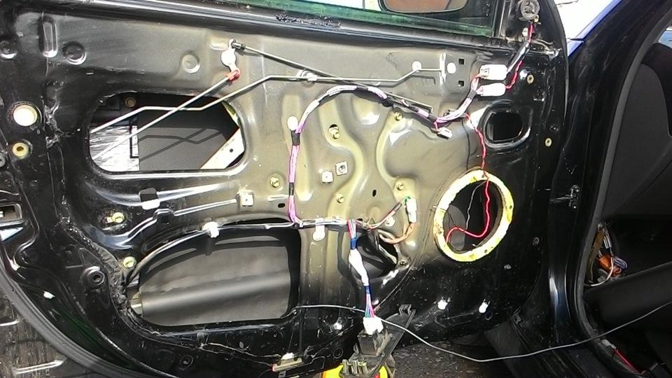 замена акустики на toyota caldina 241