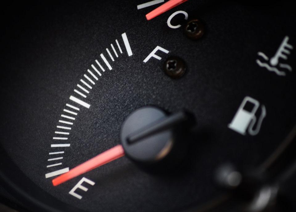 функциям при скольки литров в бензобаке нива загорается лампочка белье или термобелье