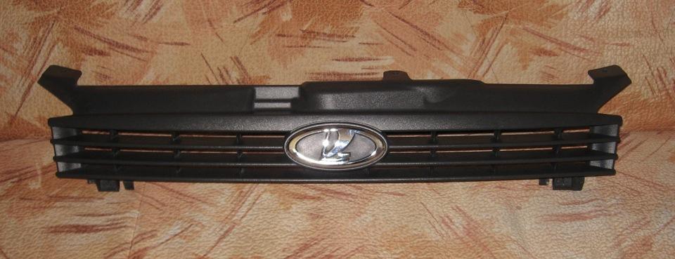 Оклейка пленкой решетки радиатора 70