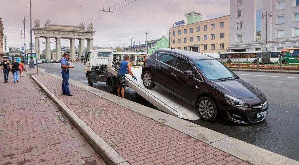 В каких случаях автомобиль забирают на штрафстоянку